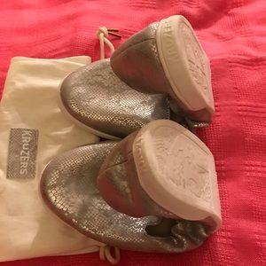 Kruzers foldable street sneakers 8.5-9.5 w/ bag